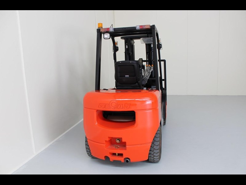 wecan forklift with 3 stage mast container 378369 009