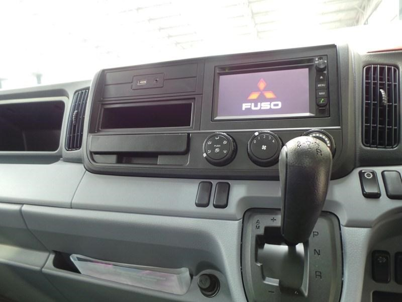 fuso canter 515 wide cab 379642 029