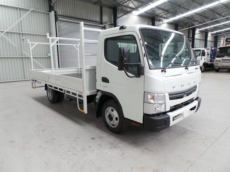 fuso canter 515 wide cab 379642 011