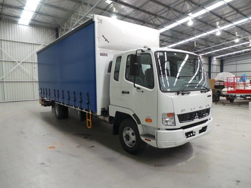 fuso fighter 1024 380446 011