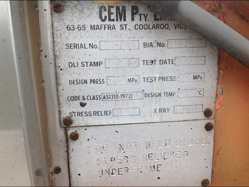 cem triaxle stainless insulated gas tanker 151171 013