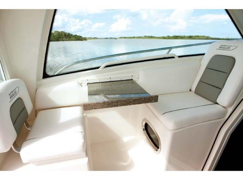 boston whaler 285 conquest pilothouse 294257 013