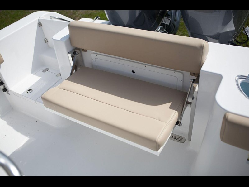 sportsman 252 center console 381119 031