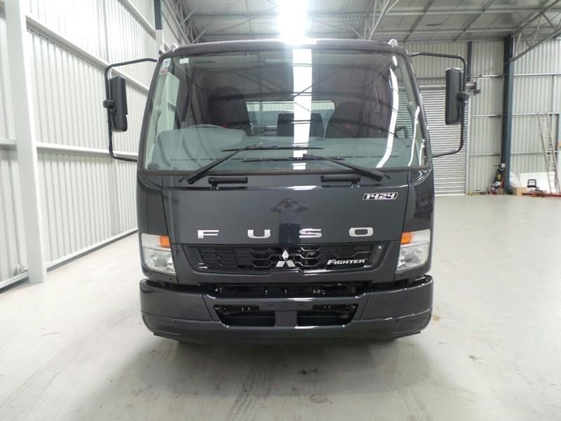 fuso fighter 381462 013