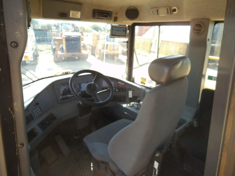 volvo a40d 381592 025