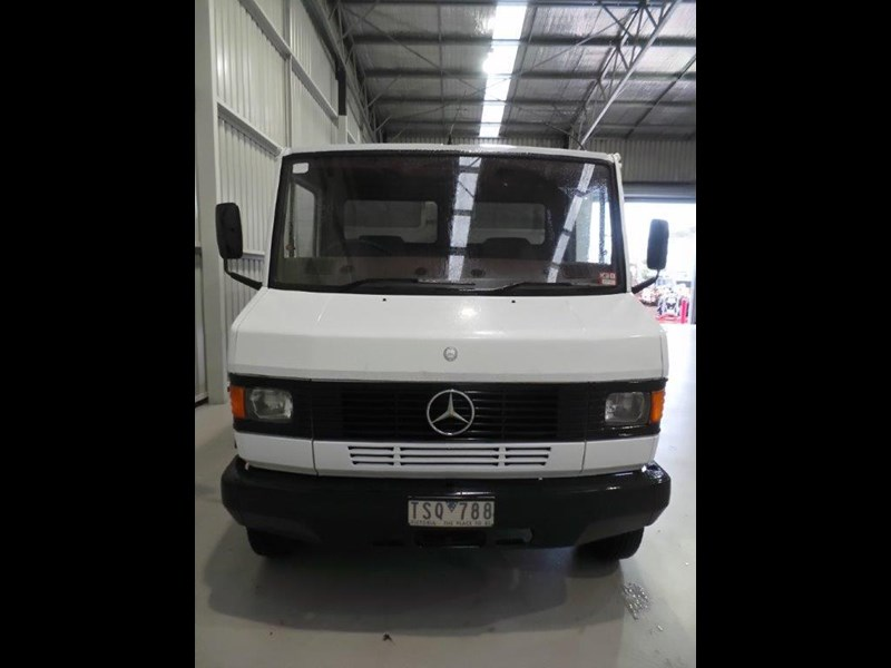 mercedes-benz slide on campervan 381672 008