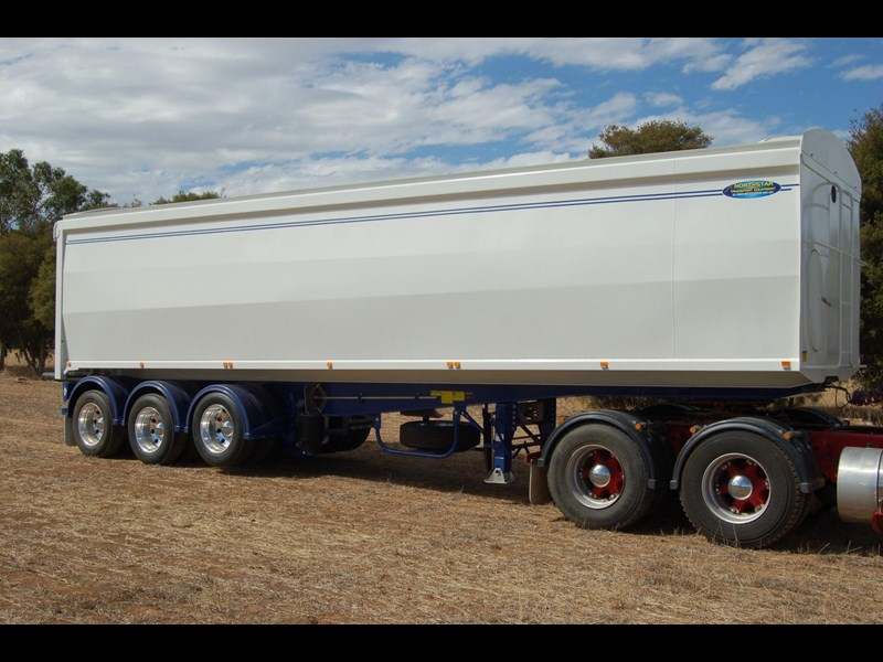 northstar transport equipment 2019 grain tipper 382270 005