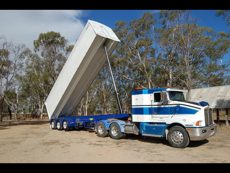 northstar transport equipment 2019 grain tipper 382270 007
