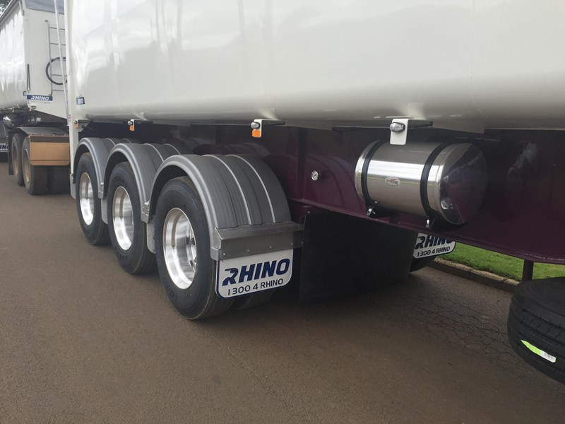 rhino superlite tipping semi trailer (t.o.a.) 140705 003
