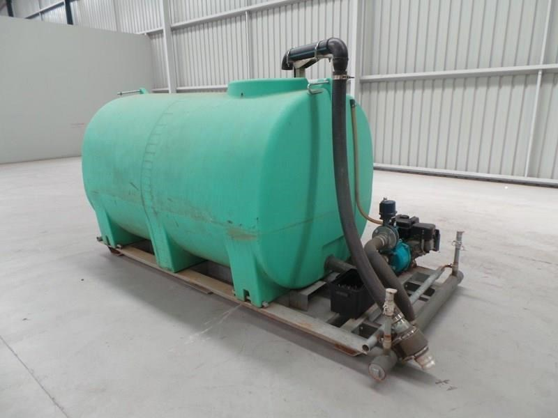 workmate 4000 litre poly tanks 20989 005