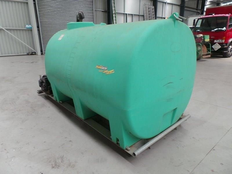 workmate 4000 litre poly tanks 20989 011