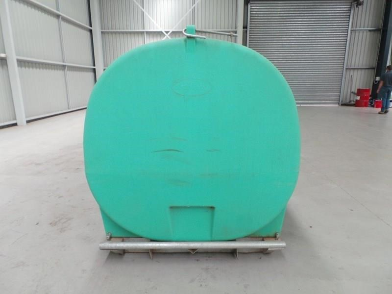 workmate 4000 litre poly tanks 20989 013