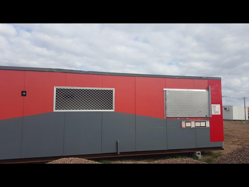 e i group portables used 11m x 1.8m 392589 015