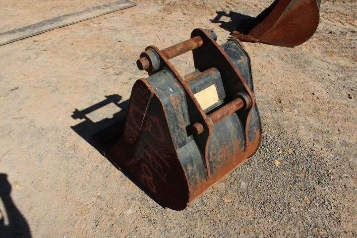 caterpillar 600mm backhoe bucket 392929 007