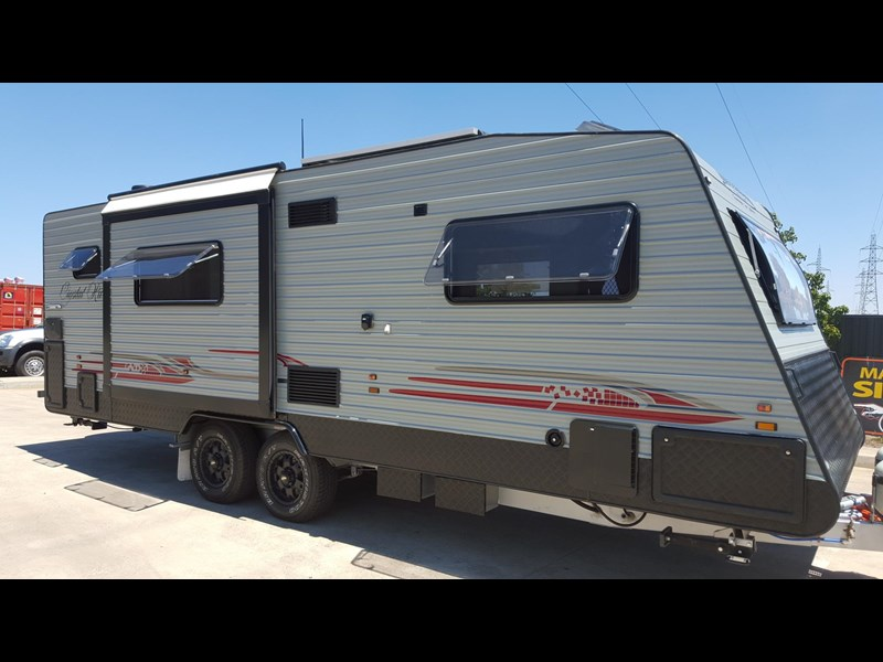 universal caravans 24ft crystal river 393127 005