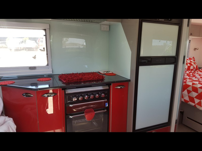 universal caravans 24ft crystal river 393127 008