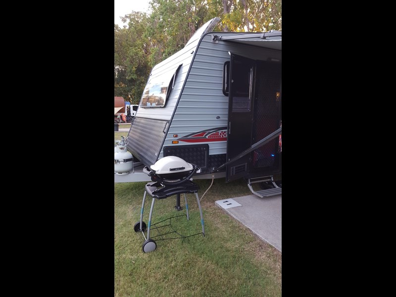 universal caravans 24ft crystal river 393127 020