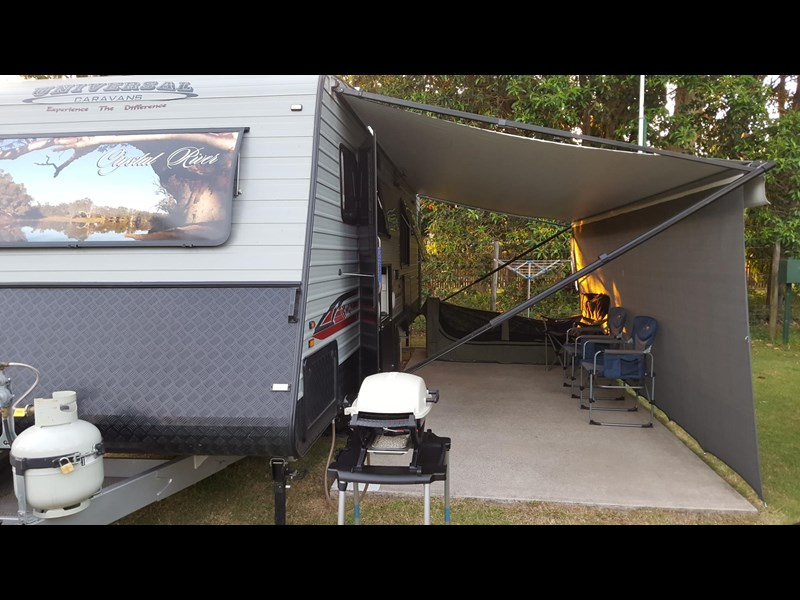 universal caravans 24ft crystal river 393127 022