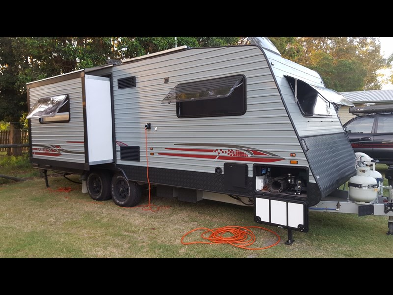 universal caravans 24ft crystal river 393127 023