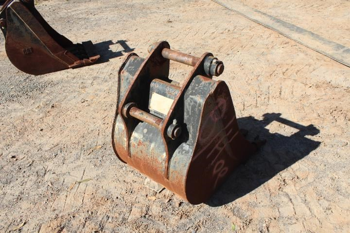 caterpillar 600mm backhoe bucket 393116 005