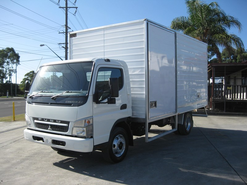 fuso canter 395648 003