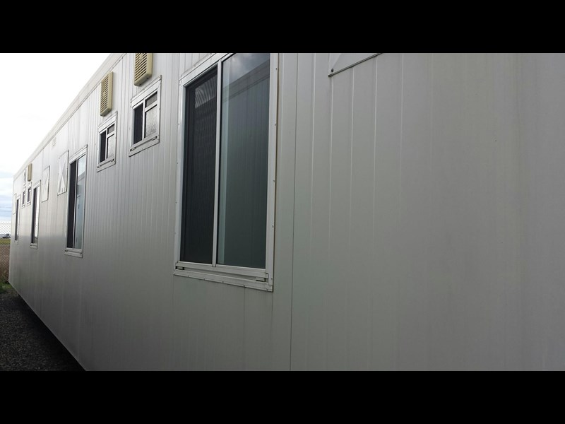mcgregor 14.4m x 3.0m 4 bedroom ensuited bunkhouse 196011 011