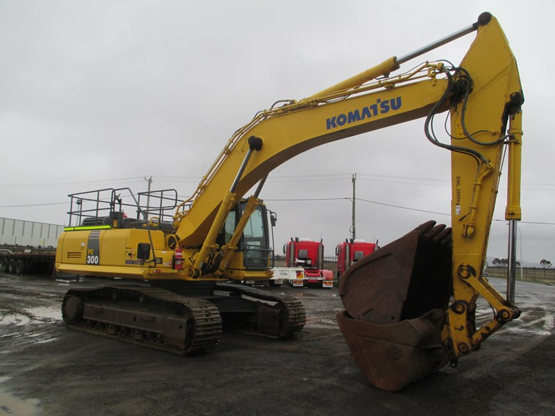 komatsu pc300-8 (also available for hire) 396289 009