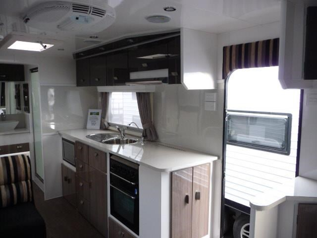 eden caravans expedition stock van 397304 007