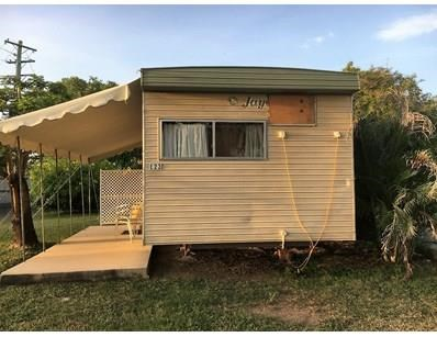 cabin portable cabins -   6m x 3m. 1 bedroom / bunkroom / kitchen / dining /annex. 397524 021