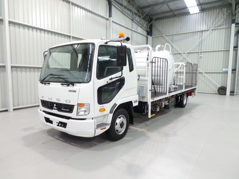 fuso fighter 1024 399108 001