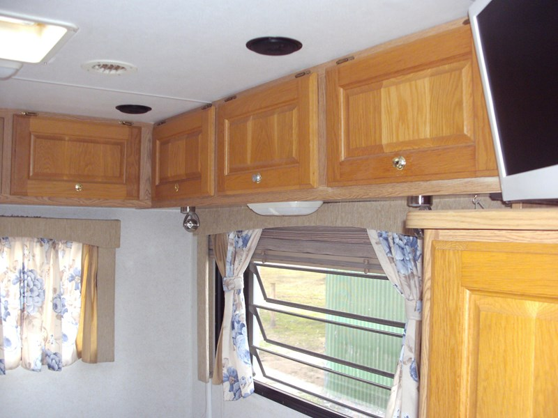 winnebago (avida) alpine 399422 007
