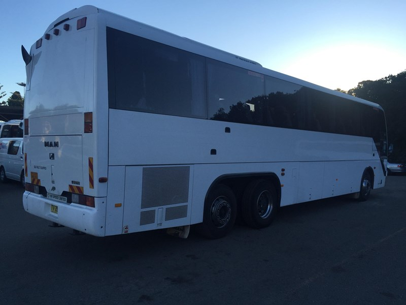 man 22.370 tag axle coach, 1998 model 403666 005