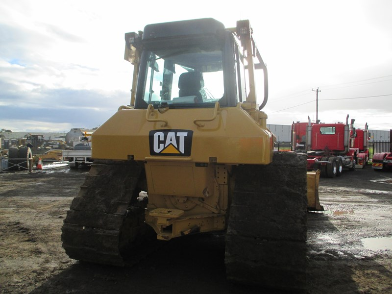 caterpillar d6n lgp dozer (also available for hire) 404947 019