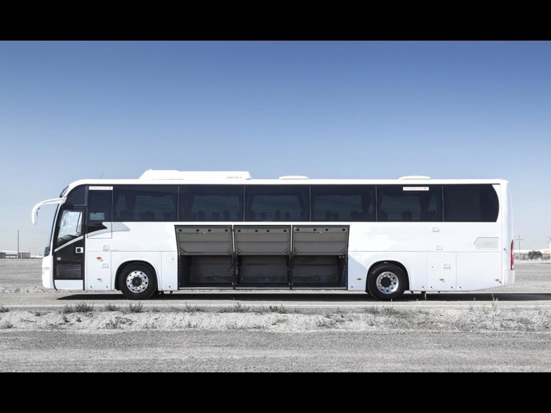 king long 6130 13.0m (57/75 seats) 407166 003