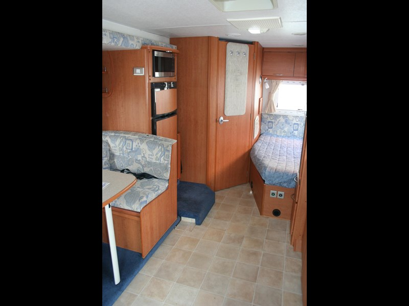 winnebago (avida) freewind 407468 013