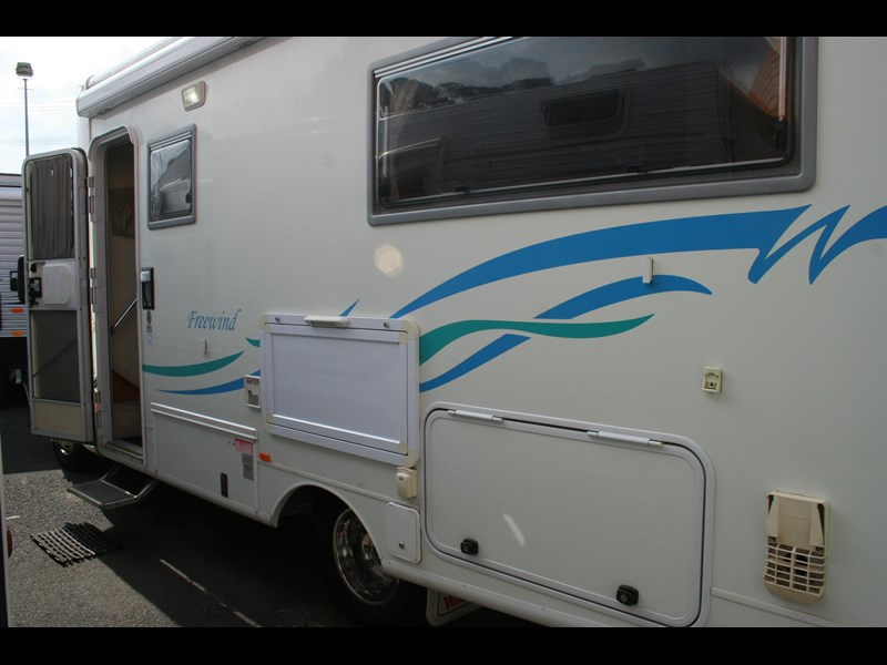 winnebago (avida) freewind 407468 053