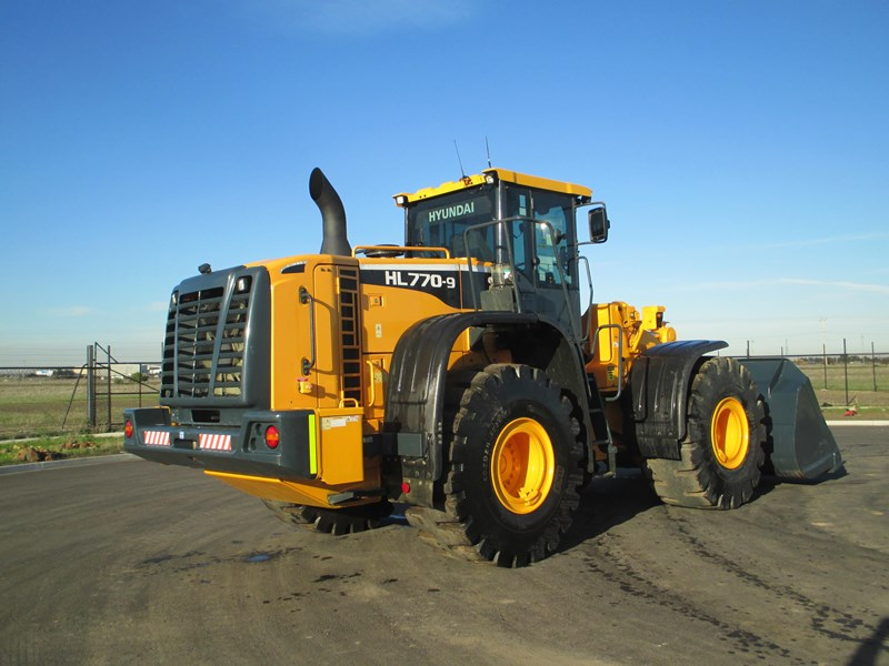 hyundai hl770-9 (also available for hire) 407765 029