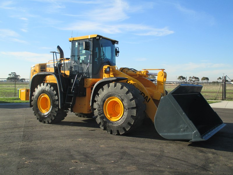 hyundai hl770-9 (also available for hire) 407765 027