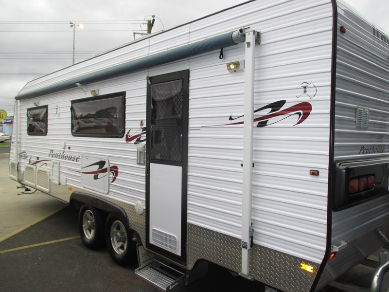 traveller penthouse semi off road 24'..full ensuite...sold... 408943 007