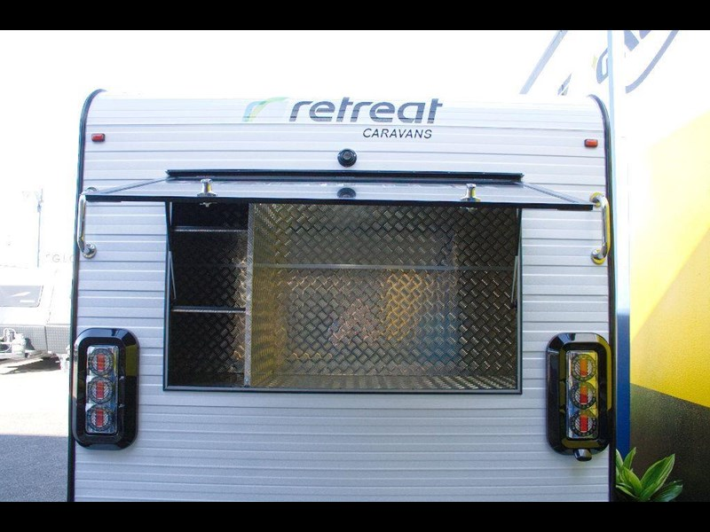 retreat caravans hamilton 410201 009