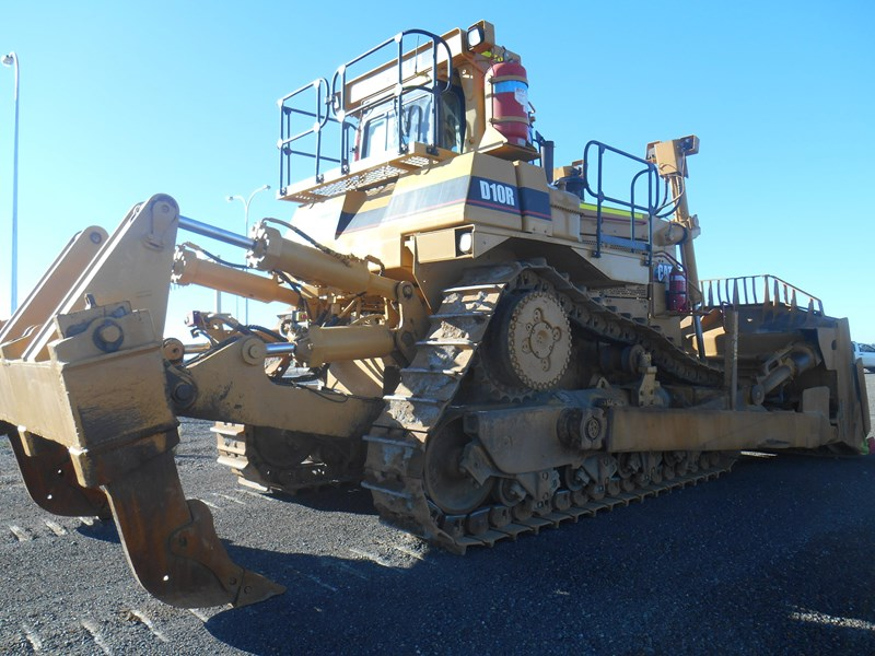 caterpillar d10r dozer 110327 009