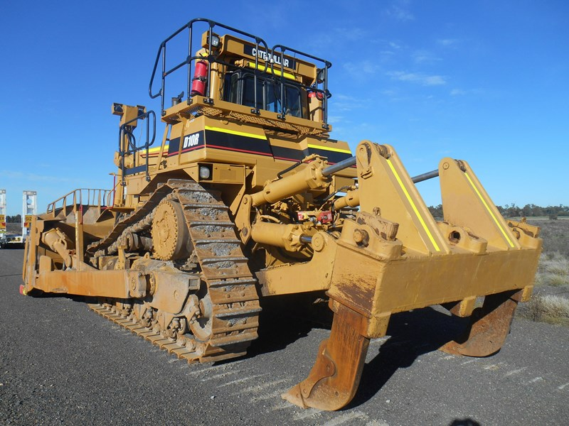 caterpillar d10r dozer 110327 007