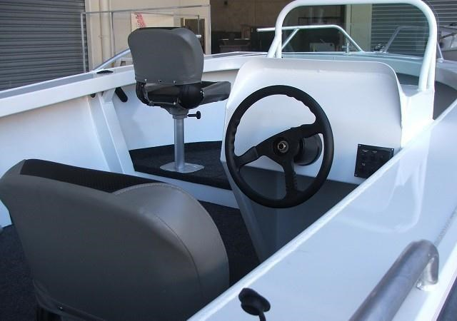 formosa tomahawk offshore 620 side console 410319 009