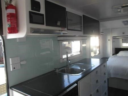 retreat caravans brampton 410697 009