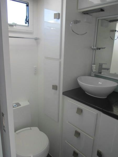 retreat caravans brampton 410697 015