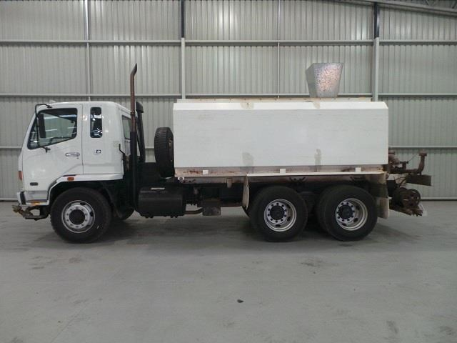 mitsubishi fn600 12000 litre 6x4 water truck 410275 002
