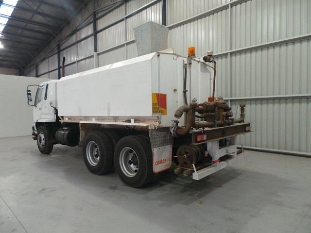 mitsubishi fn600 12000 litre 6x4 water truck 410275 003