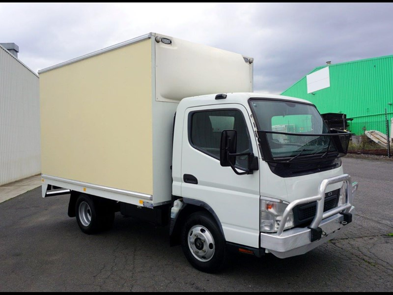 fuso canter 406847 004