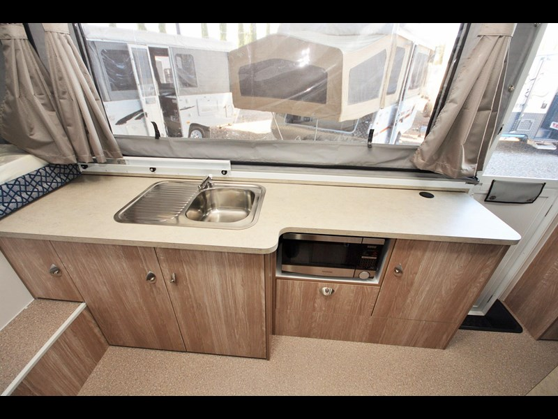 goldstream rv sandvan / sundowner 412004 011