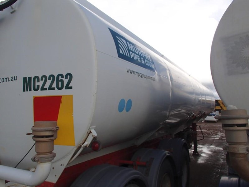 marshall lethlean tri axle water tanker 413333 004